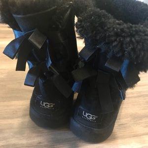 UGG Bailey Bow Black Short Boots Size 6